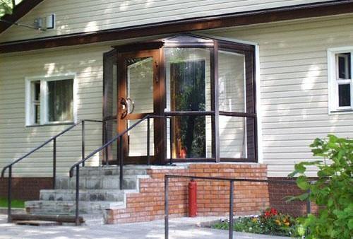 Принципы пристройки тамбура к частному дому