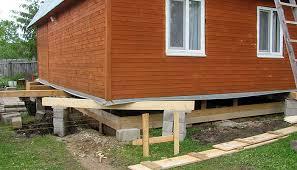 Замена фундамента деревянного дома